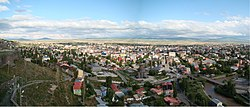 Panaromic view o Kars ceety frae the fortress.