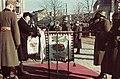 Kossuth tér, ünnepség a frontról hazatért katonák tiszteletére a Városháza előtt. Balra Horthy Miklósné, mint zászlóanya. Fortepan 92466.jpg
