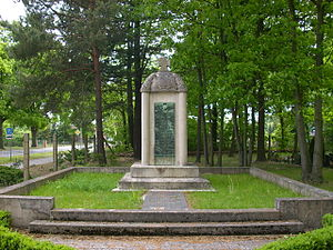 Spreetal - Image: Kriegerdenkmal Burgneudorf 2a