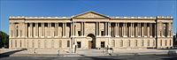 La colonnade du Louvre à Paris.jpg