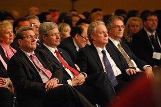 Jean Charest - Image: Labeaume, Harper et Charest FMLF2012