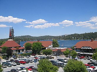 Lake Arrowhead, California - Image: Lake Arrowhead Village, California
