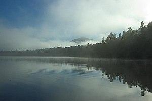 Lake Paringa - in the morning mist