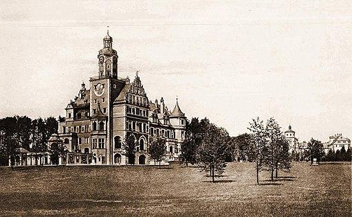 Lata 1905-1909 , Pałac (zamek) w Reptach. --