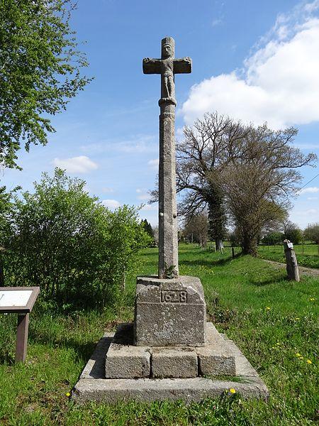 Le Mesnil-Benoist, croix de chemin à bubons érigée en 1628 au lieu-dit le Diguet