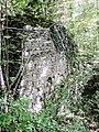 Le vieux château. Base de la muraille sud-est. Vue extérieure.jpg
