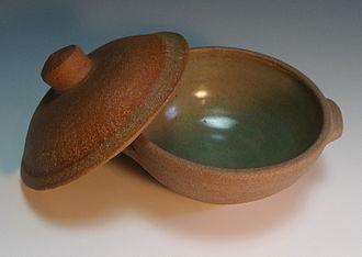 Bernard Leach - Leach Pottery covered soup bowl