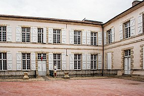 Lectoure-HoteldeVille.jpg