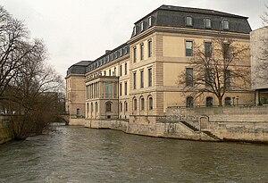 Leineschloss - Leine river frontage