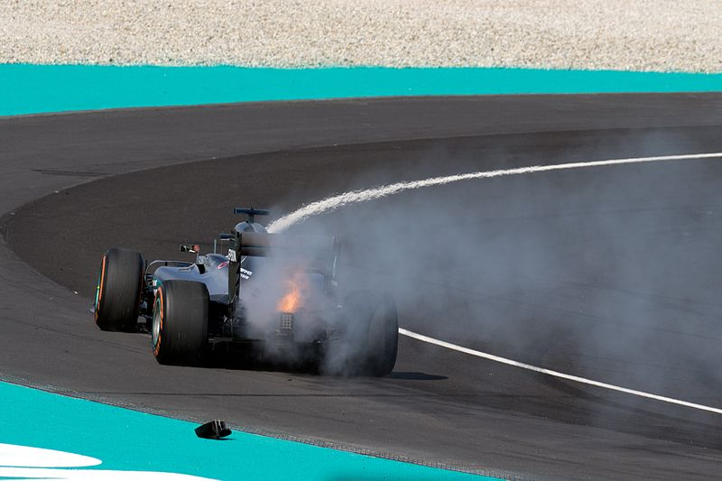 Lewis Hamilton engine failure 2016 Malaysian GP 2.jpg