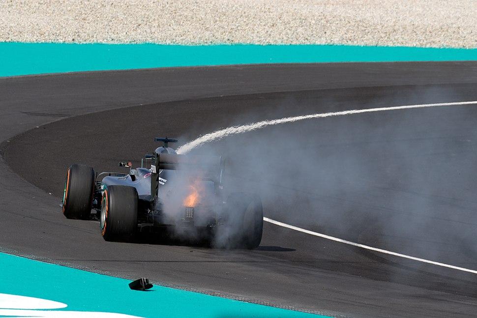 Lewis Hamilton engine failure 2016 Malaysian GP 2