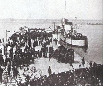 Battle of Vittorio Veneto - Italian troops landing in Trieste, 3 November 1918