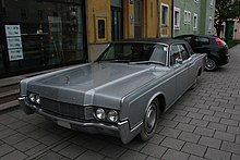 Lincoln Continental Front.jpg