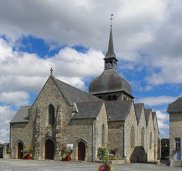 Église Notre-Dame de Livré-sur-Changeon (35). Façade occidentale et flanc sud.