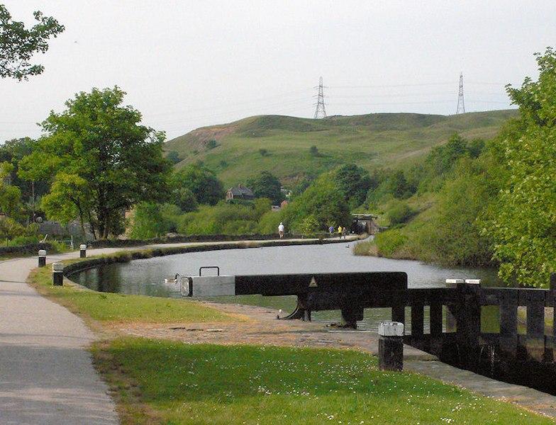 File:Lock No. 39, Rochdale Canal.jpg