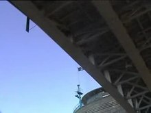 Datei:LondonTowerBridge1998Video1.ogv