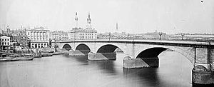 London Bridge (Lake Havasu City) - London Bridge in about 1870 when it crossed the River Thames in London