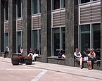 London MMB «99 Columbus Courtyard.jpg