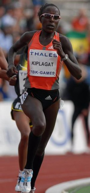 Lornah Kiplagat - Kiplagat competing at the FBK Games 2007.