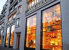 94e3a747cadbc Flagshipstore auf den Champs-Elysées in Paris. LV-Boutique in Paris