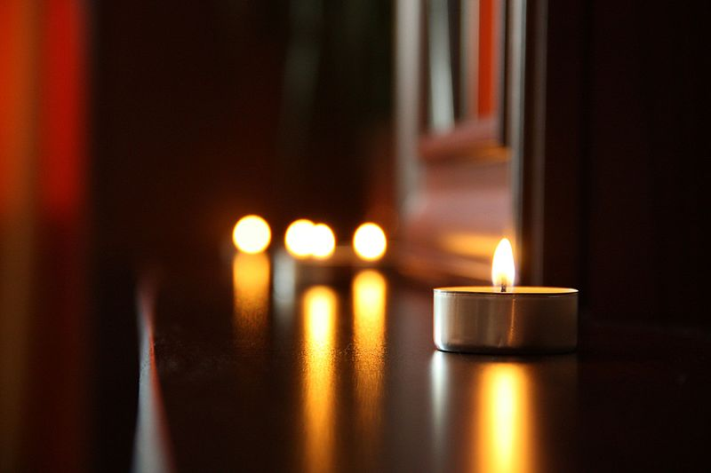 File:Love-romantic-date-candlelight (23958771669).jpg