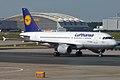 Lufthansa, D-AILT, Airbus A319-114 (15834447464).jpg