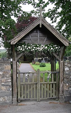 meaning of lychgate