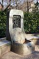 Märchenbrunnen Ermelstraße Detail03.jpg
