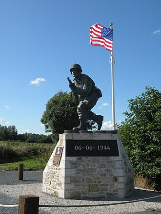 Richard Winters - The statue of Richard Winters at Utah Beach