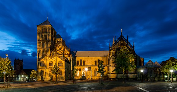 St. Paul's Cathedral (Münster) at blue hour