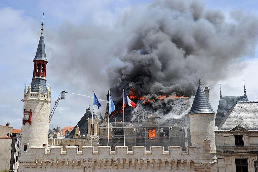 MLRC 037876 MD - Incendie de l'Hôtel de ville