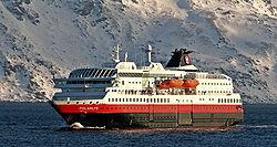 Die Polarlys zwischen Havøysund und Hammerfest