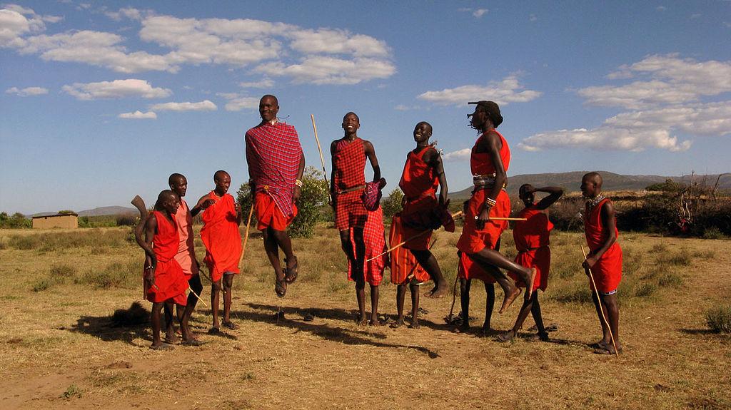 Plemena - Page 2 1024px-Maasai-Adumu