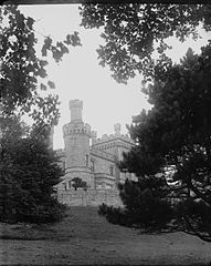 Maesllwch Castle, Glasbury