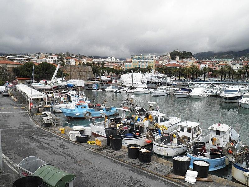 File:Marina Sanremo - panoramio (2).jpg
