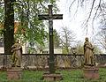 Medelsheim Kreuzigungsgruppe am Friedhof.JPG