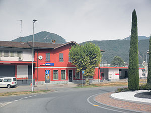 Melide railway station - Melide station from the street