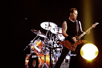 "Metallica (album) - Metallica performing live ""Of Wolf and Man"" at 02 Arena, London (2008)"