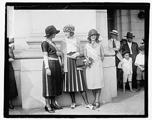 Miss America 1921 - Contestants at the 1921 Pageant; Miss Atlantic City (Florence Burke), Miss Philadelphia, and Miss Washington DC.
