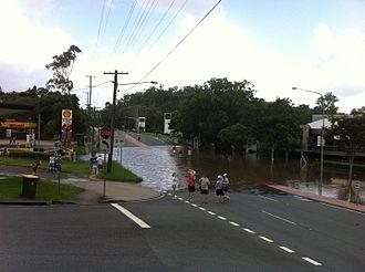 Moggill Road - Moggill Road flooding in Chapel Hill on 12 January 2011