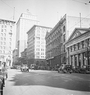 Royal Bank Tower (Montreal) - Image: Montreal rue St Jacques 1935