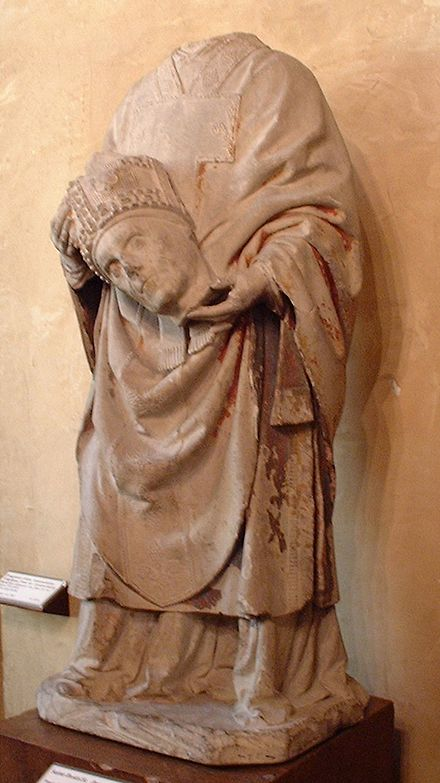 Late Gothic statue of Saint Denis, limestone, formerly polychromed (Musee de Cluny) Musee du Moyen Age A01.JPG