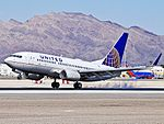 N13750 United Airlines Boeing 737-724 (cn 28941-286) (8028774769).jpg