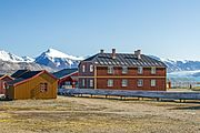 NOR-2016-Svalbard-Ny-Ålesund-North Pole Hotel (Nordpolhotellet) 02.jpg