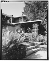 NORTHEAST ENTRANCE, LOOKING NORTHWEST - H. P. Dyer House, 16055 Sanborn Road, Saratoga, Santa Clara County, CA HABS CAL,43-SARA,4-2.tif