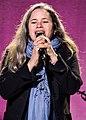 Natalie Merchant 07 15 2017 -13 (36837904352).jpg