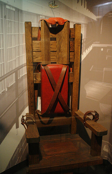 National Museum of Crime and Punishmen - Electric chair (2869474668)