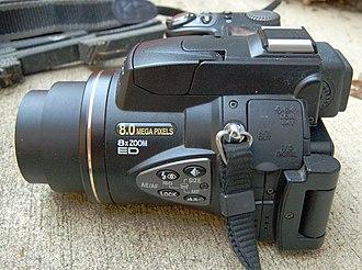Nikon Coolpix 8700 - Image: Nikon Coolpix 8700 Sideview 2280px