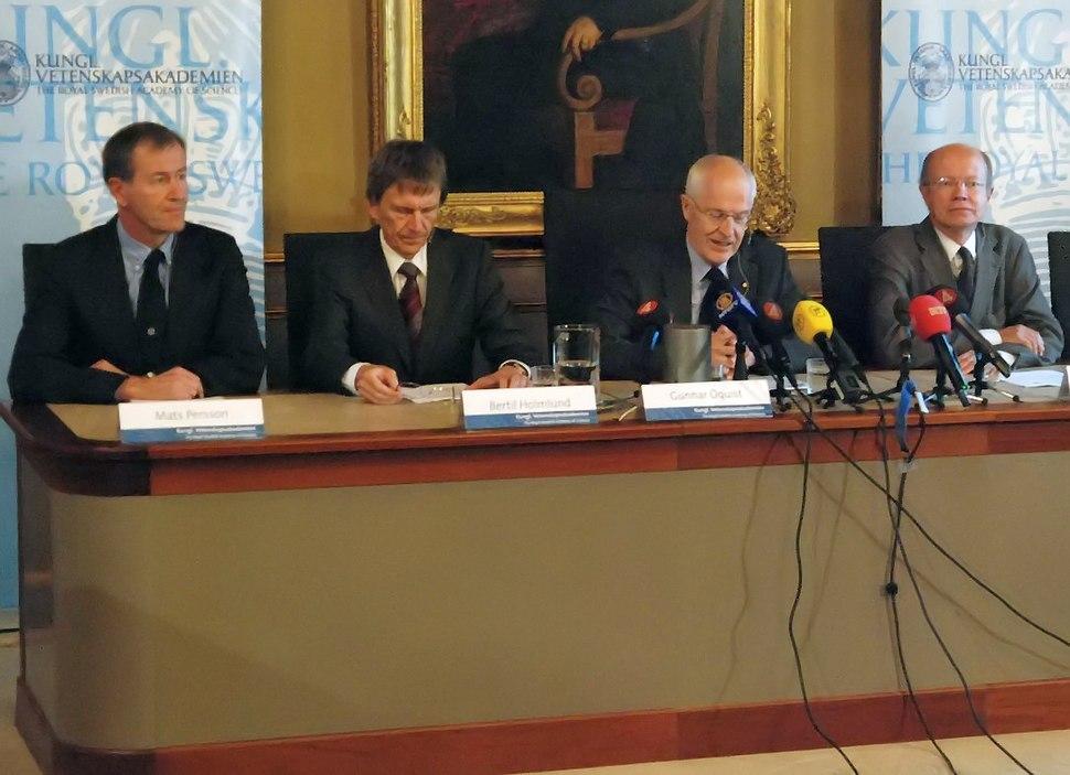 Nobel2008Economics news conference1