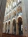 Noyon (60), cathédrale Notre-Dame, nef, 4e-1ère travée, vue diagonale vers le nord-est.jpg